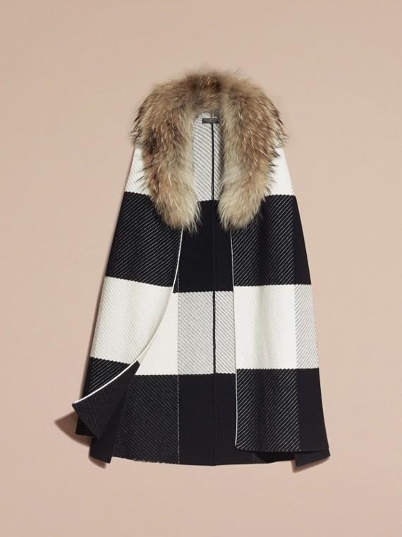 Noir/blanc Poncho en laine et cachemire mélangés à motif check avec col en fourrure de raton laveur - cell image 3