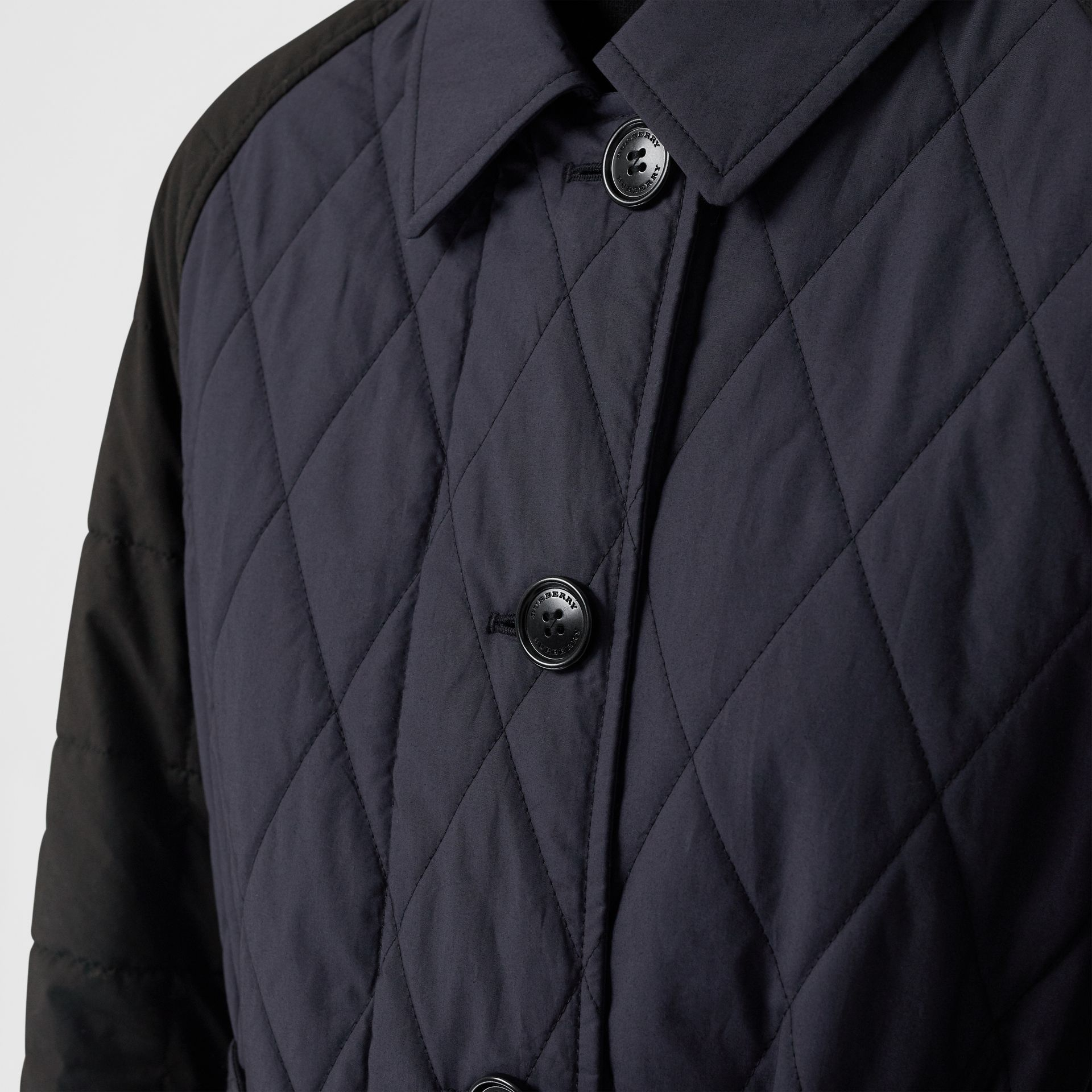 Reversible Contrast Sleeve Quilted Cotton Car Coat in Navy - Women | Burberry - gallery image 4