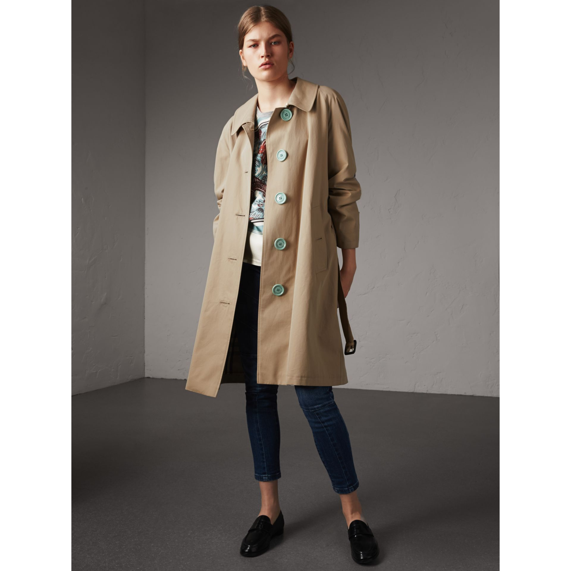 Resin Button Cotton Gabardine Trench Coat in Honey - Women | Burberry Canada - gallery image 1