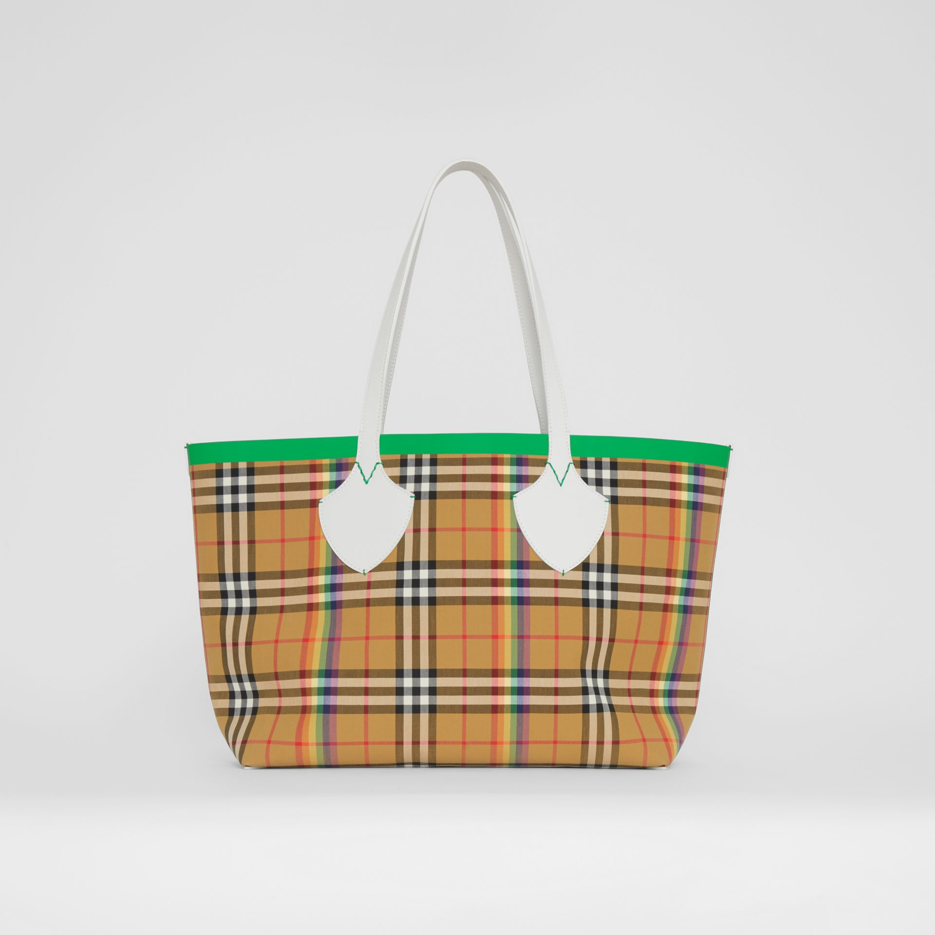 The Medium Giant Tote in Rainbow Vintage Check in Antique Yellow | Burberry United Kingdom - gallery image 7