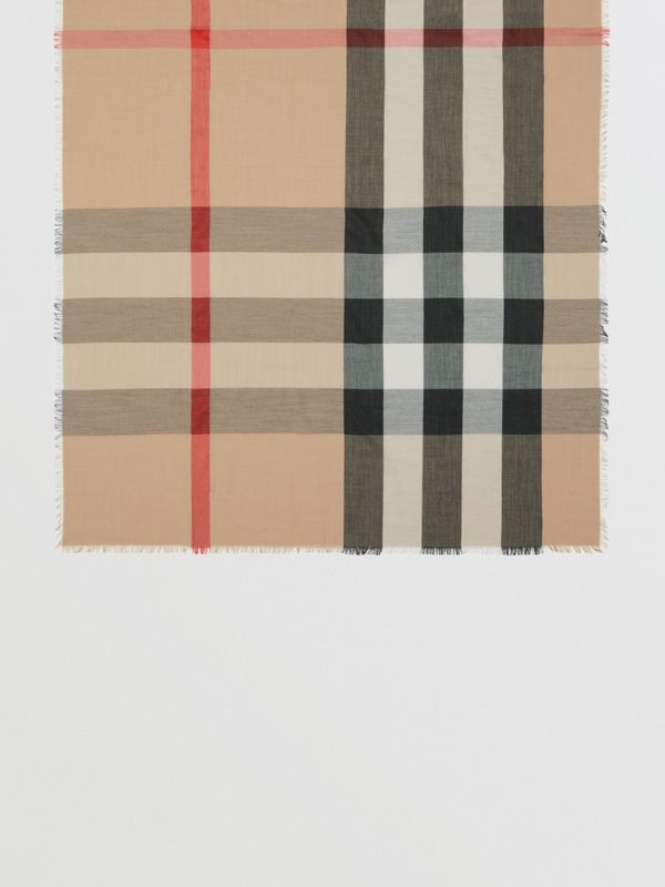 Fringed Check Cashmere Scarf in Camel | Burberry - cell image 3