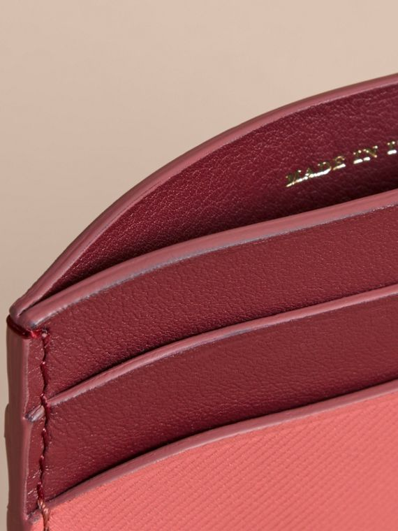 Two-tone Trench Leather Card Case in Blossom Pink/ Antique Red - Women | Burberry - cell image 3
