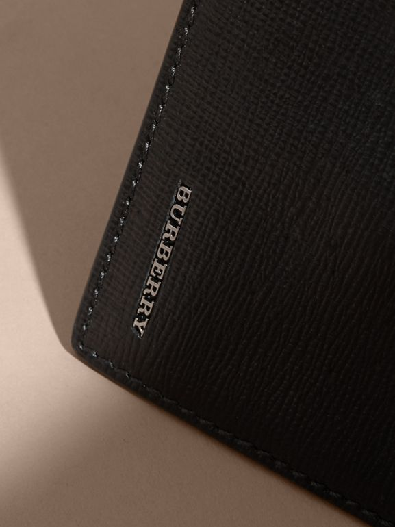London Leather Bifold Wallet in Black | Burberry Hong Kong - cell image 1