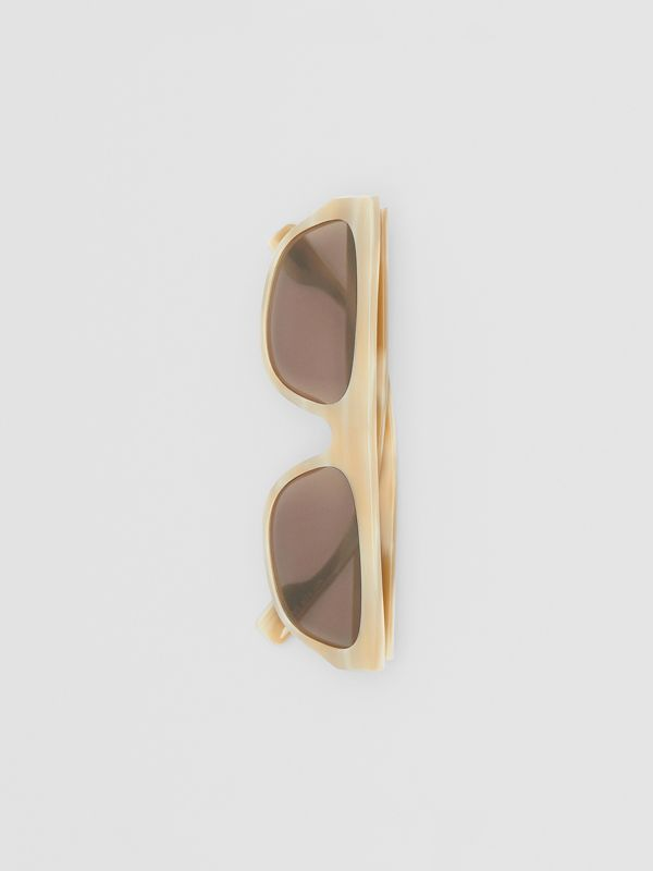 Monogram Motif Rectangular Frame Sunglasses in Light Horn | Burberry - cell image 3