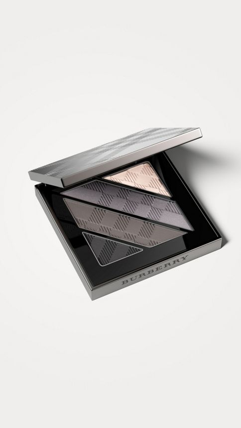 Smokey grey 01 Complete Eye Palette – Smokey Grey No.01 - Image 1