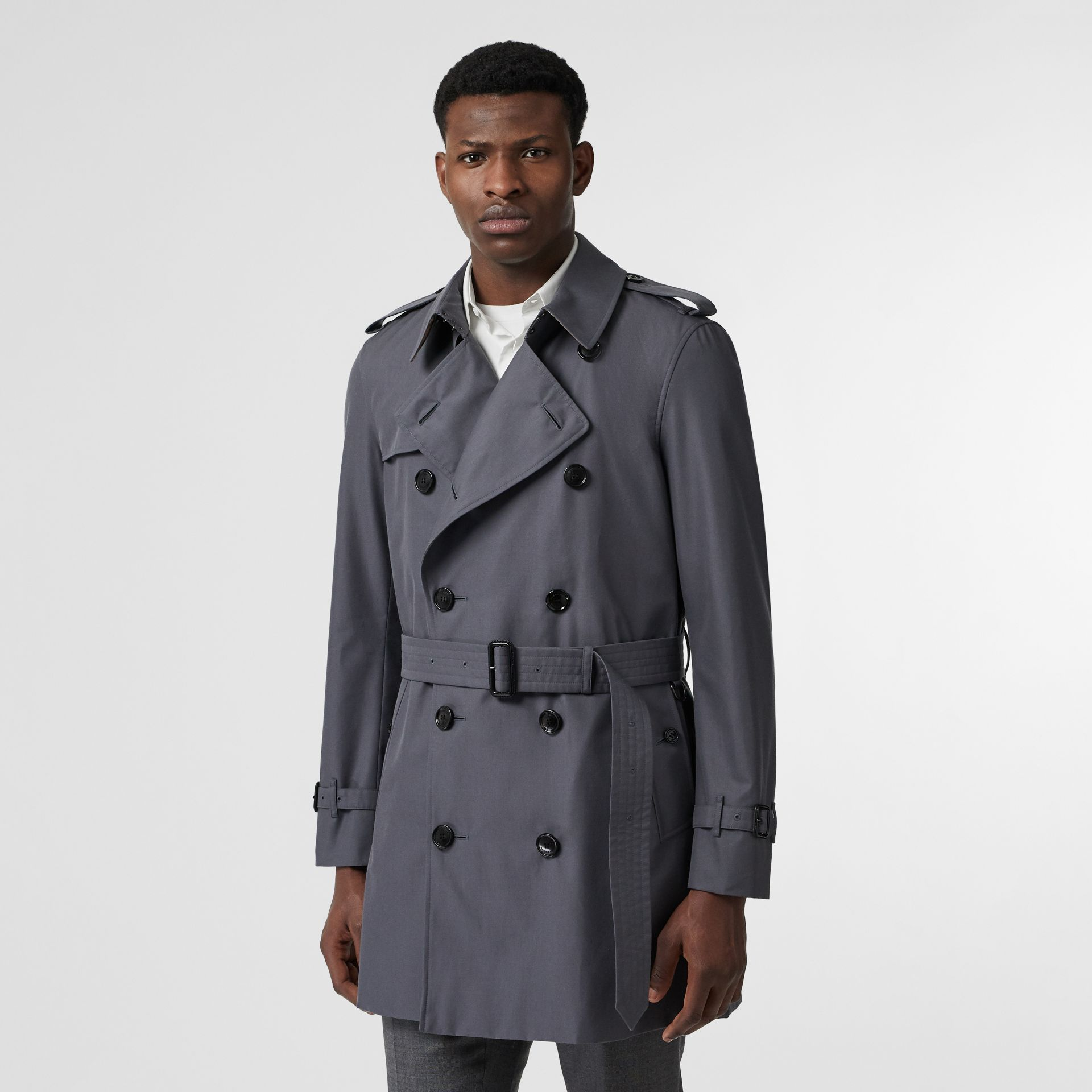 Short Chelsea Fit Trench Coat in Mid Grey - Men | Burberry Australia - gallery image 6