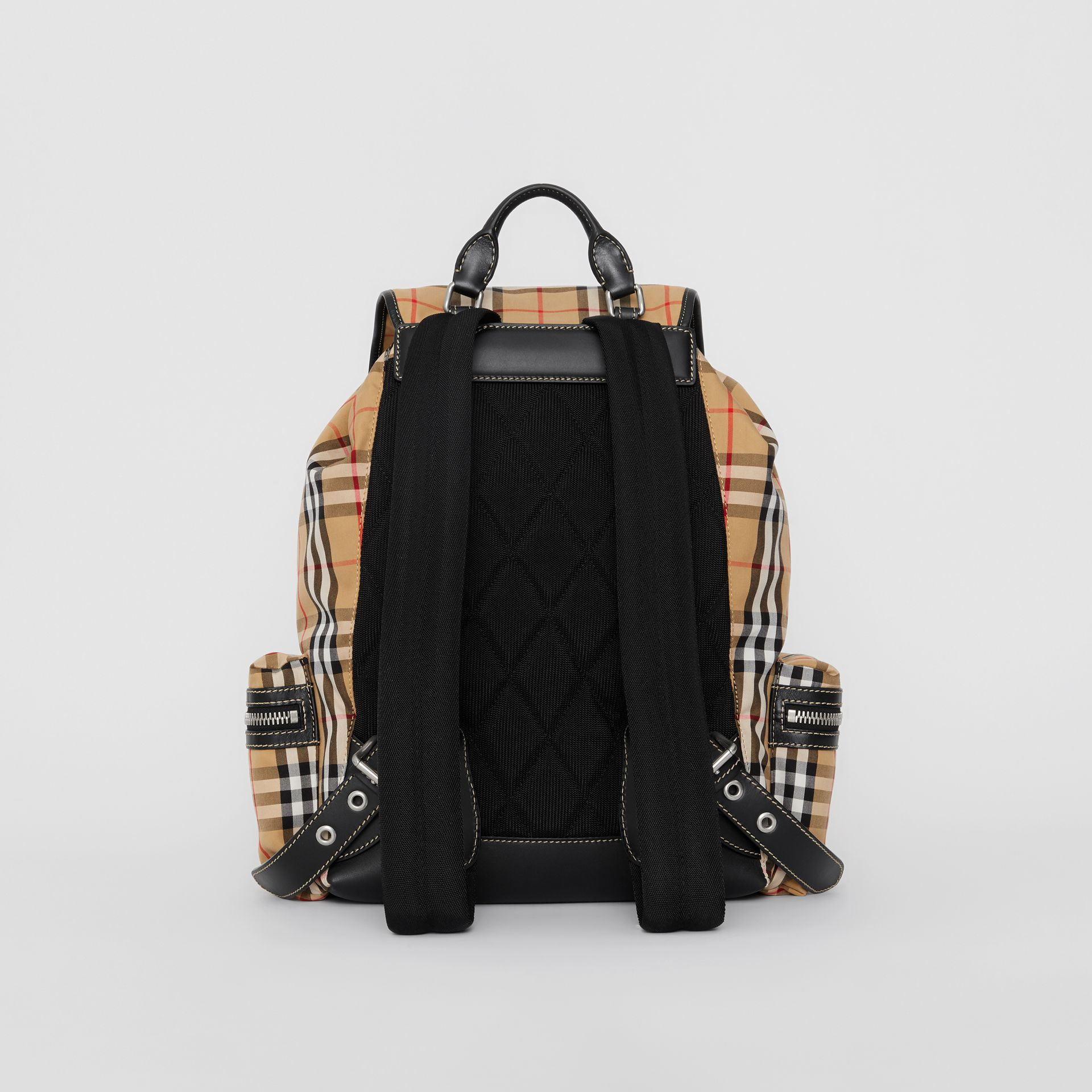 Grand sac The Rucksack à motif Vintage check (Jaune Antique) | Burberry - photo de la galerie 7