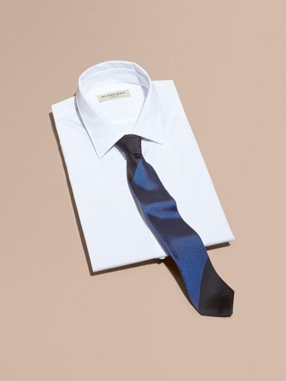 Slim Cut Striped Jacquard Silk Tie Navy