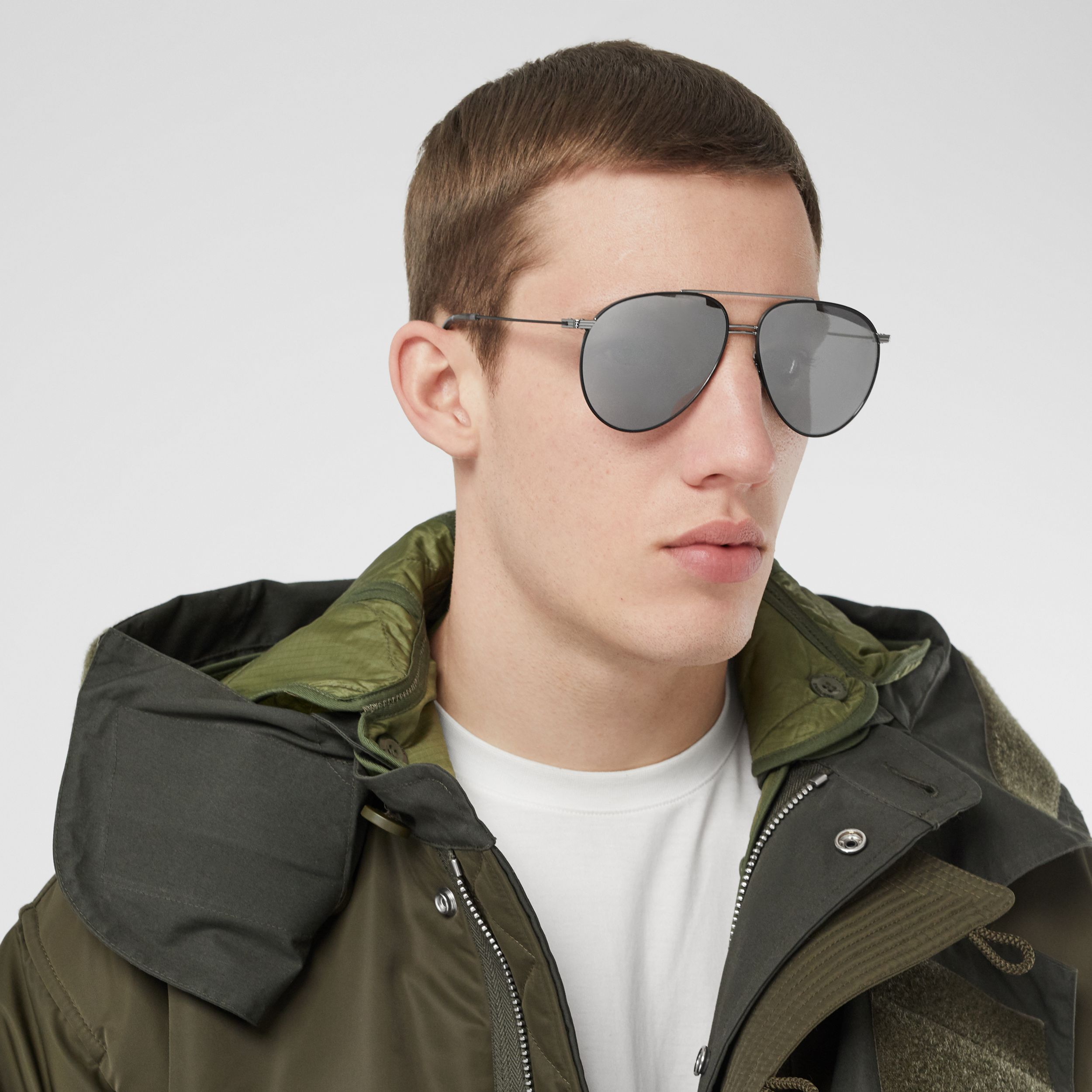 Top Bar Detail Pilot Sunglasses in Gunmetal/black - Men | Burberry - 3