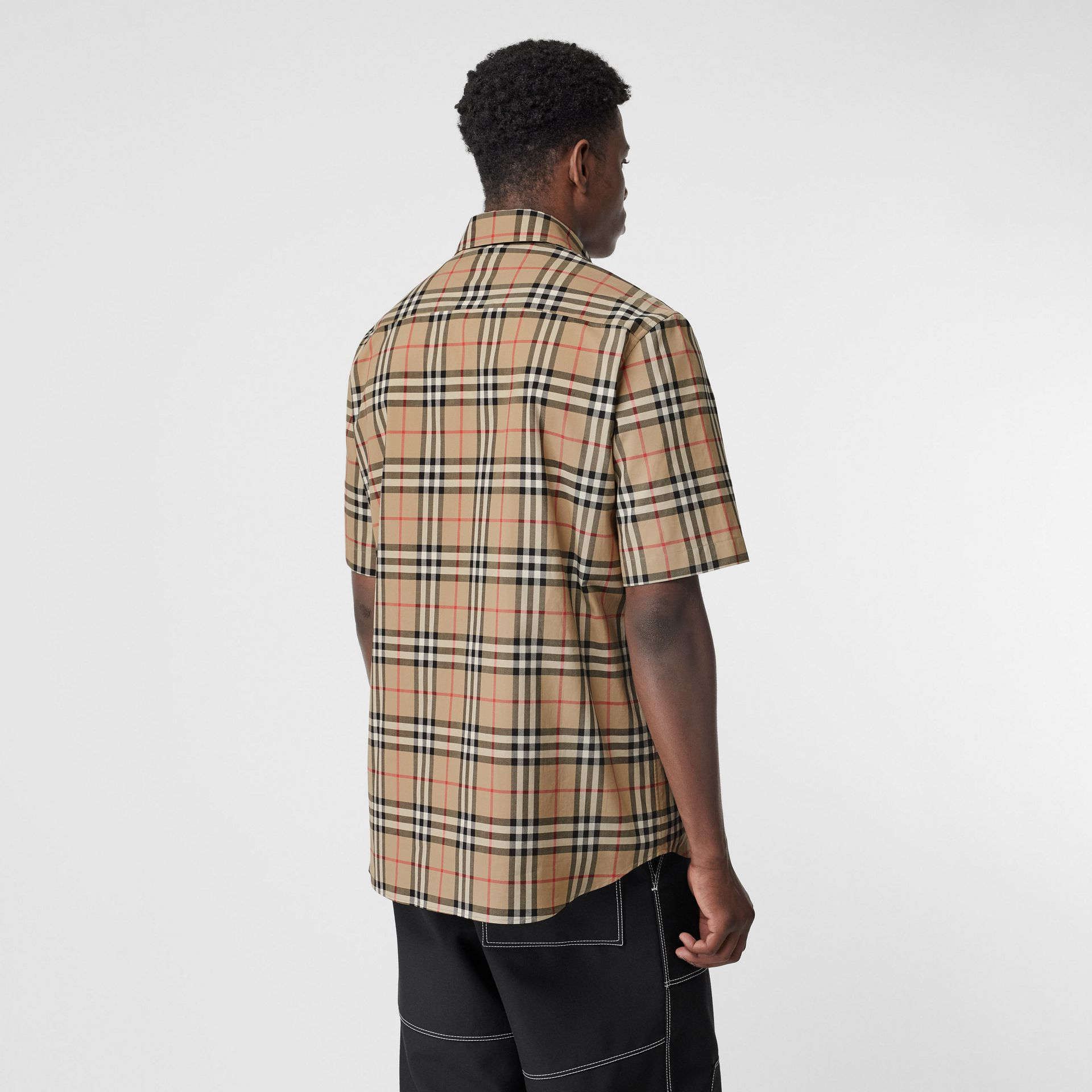 Short-sleeve Vintage Check Cotton Oversized Shirt in Archive Beige - Men | Burberry - gallery image 2