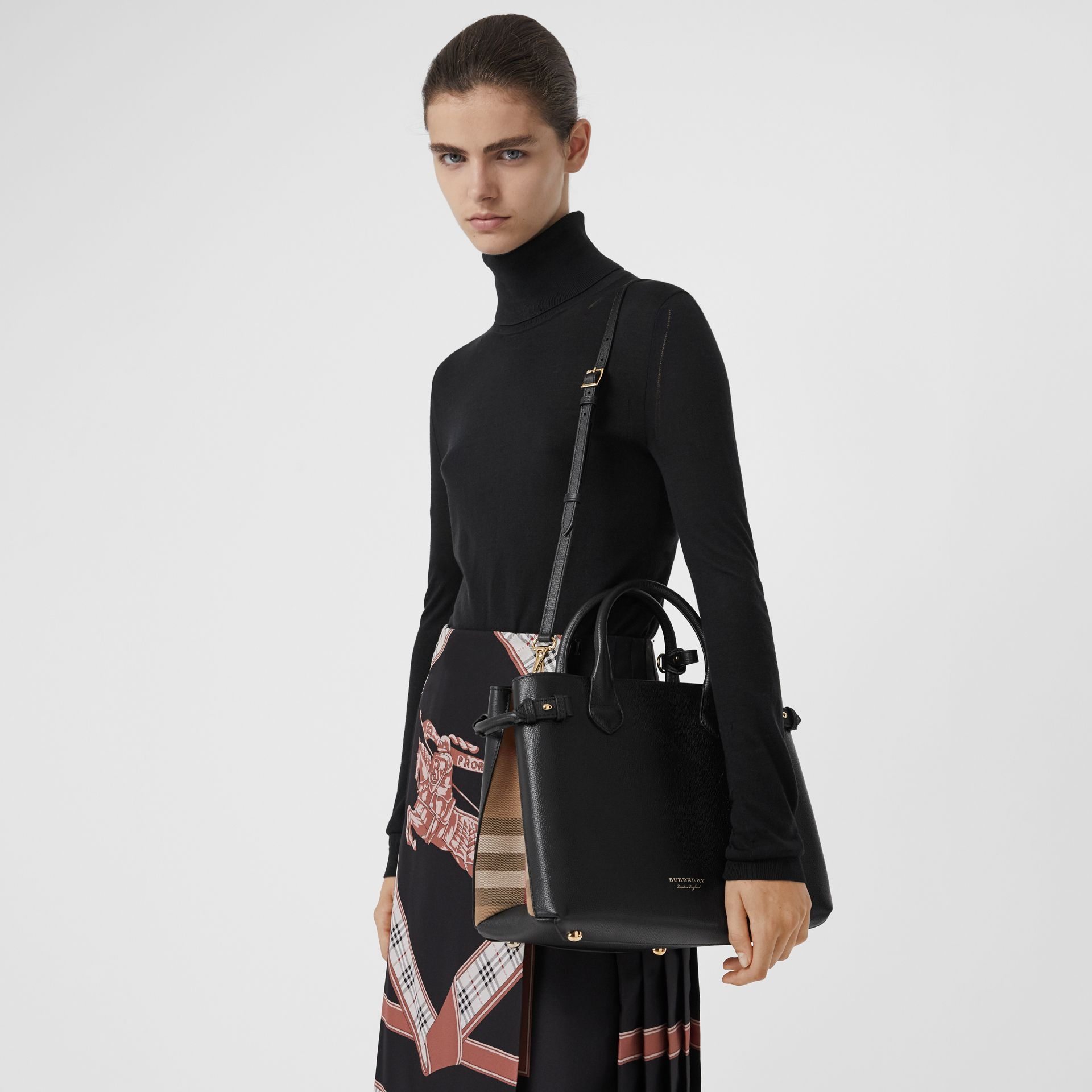 Sac The Banner moyen en cuir et coton House check (Noir) - Femme | Burberry - photo de la galerie 3
