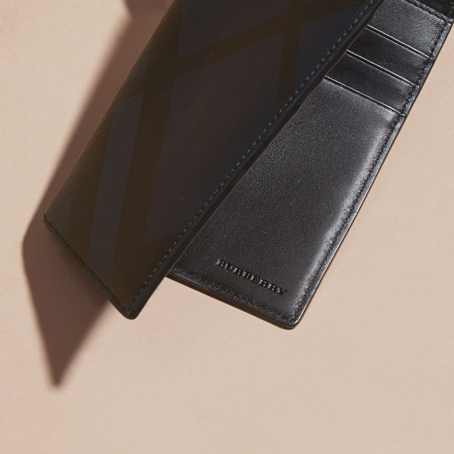 London Check and Leather Passport Holder Navy/black - gallery image 2