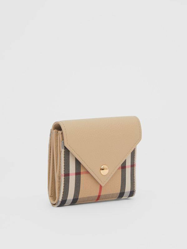 Vintage Check and Grainy Leather Folding Wallet in Light Beige - Women | Burberry Hong Kong S.A.R - cell image 3