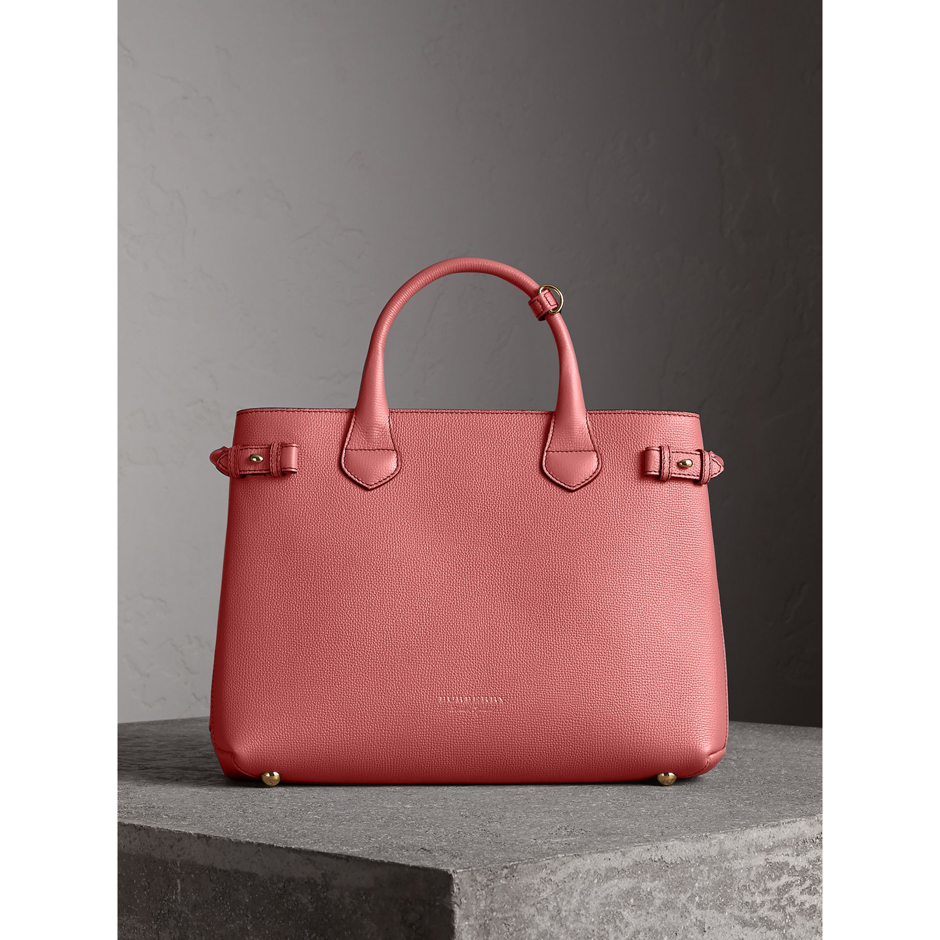 Sac The Banner medium en cuir et coton House check (Rose Mauve) - Femme | Burberry Canada - photo de la galerie 6