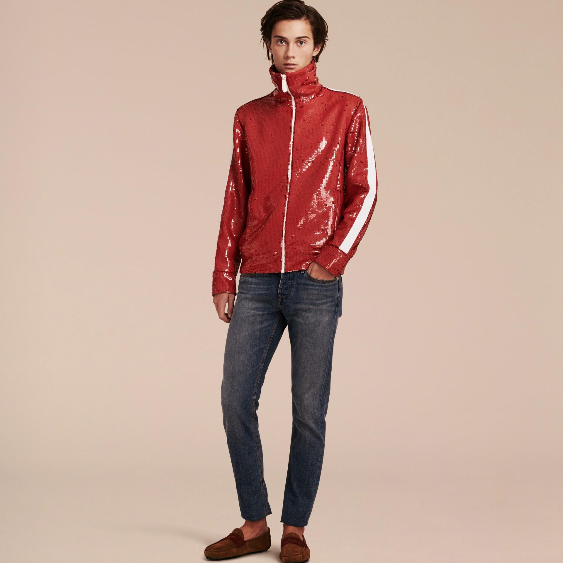 Cranberry-rot Trainingsjacke mit Pailletten - Galerie-Bild 7
