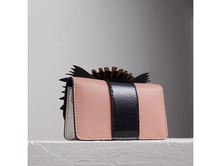 The Mini Buckle Bag aus Leder und Natternleder mit Burberry Beasts-Motiv (Aschrosa) - Damen | Burberry - cell image 4