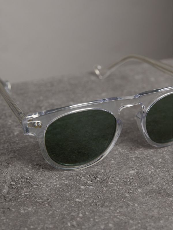 The Keyhole Round Frame Sunglasses in Crystal/green | Burberry Australia - cell image 2