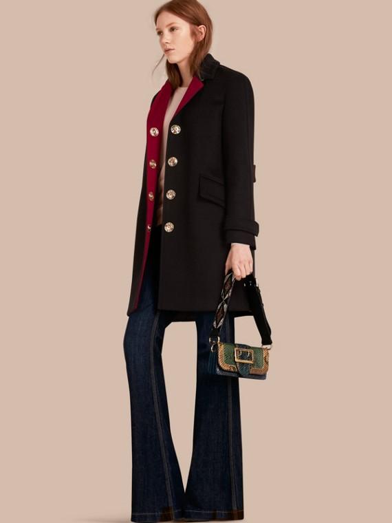 Manteau militaire à boutonnage simple en cachemire et laine
