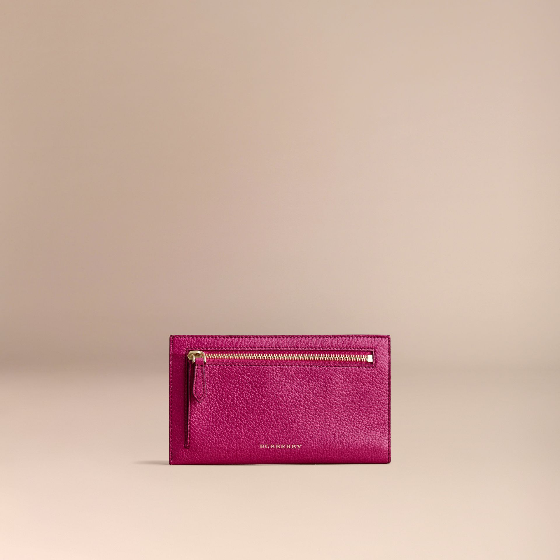 Grainy Leather Travel Case in Brilliant Fuchsia - Women | Burberry Hong Kong - gallery image 5