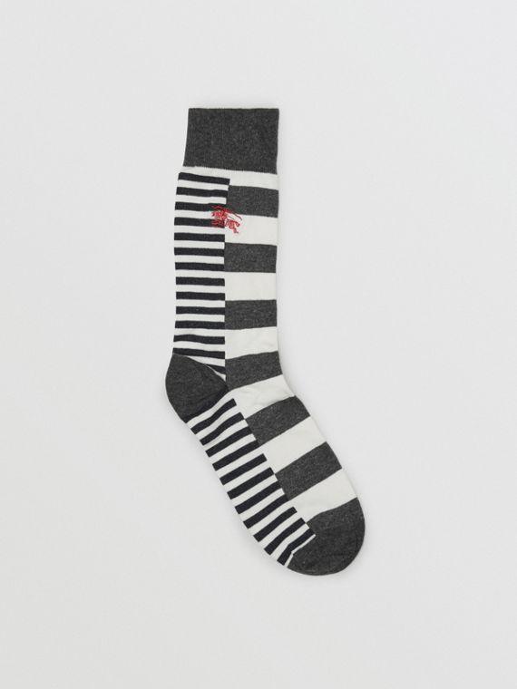 Contrast Stripe Cotton Blend Socks in White/charcoal