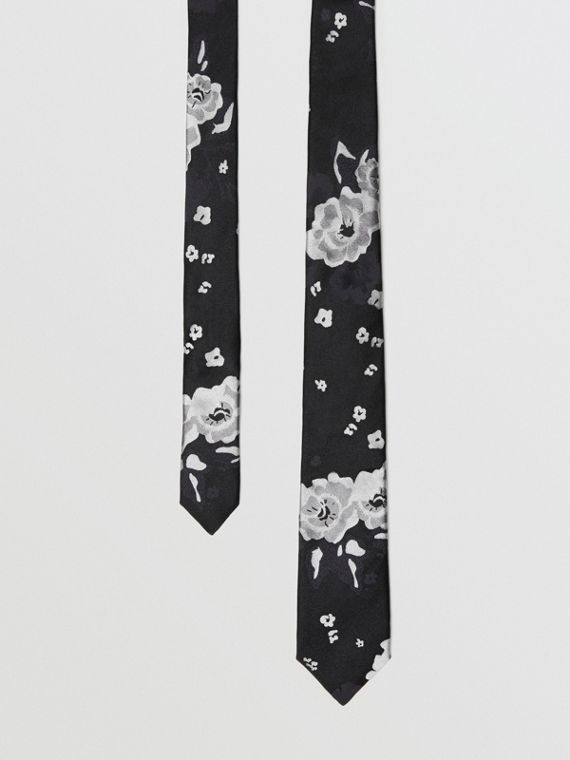 Slim Cut Floral Silk Tie in Black