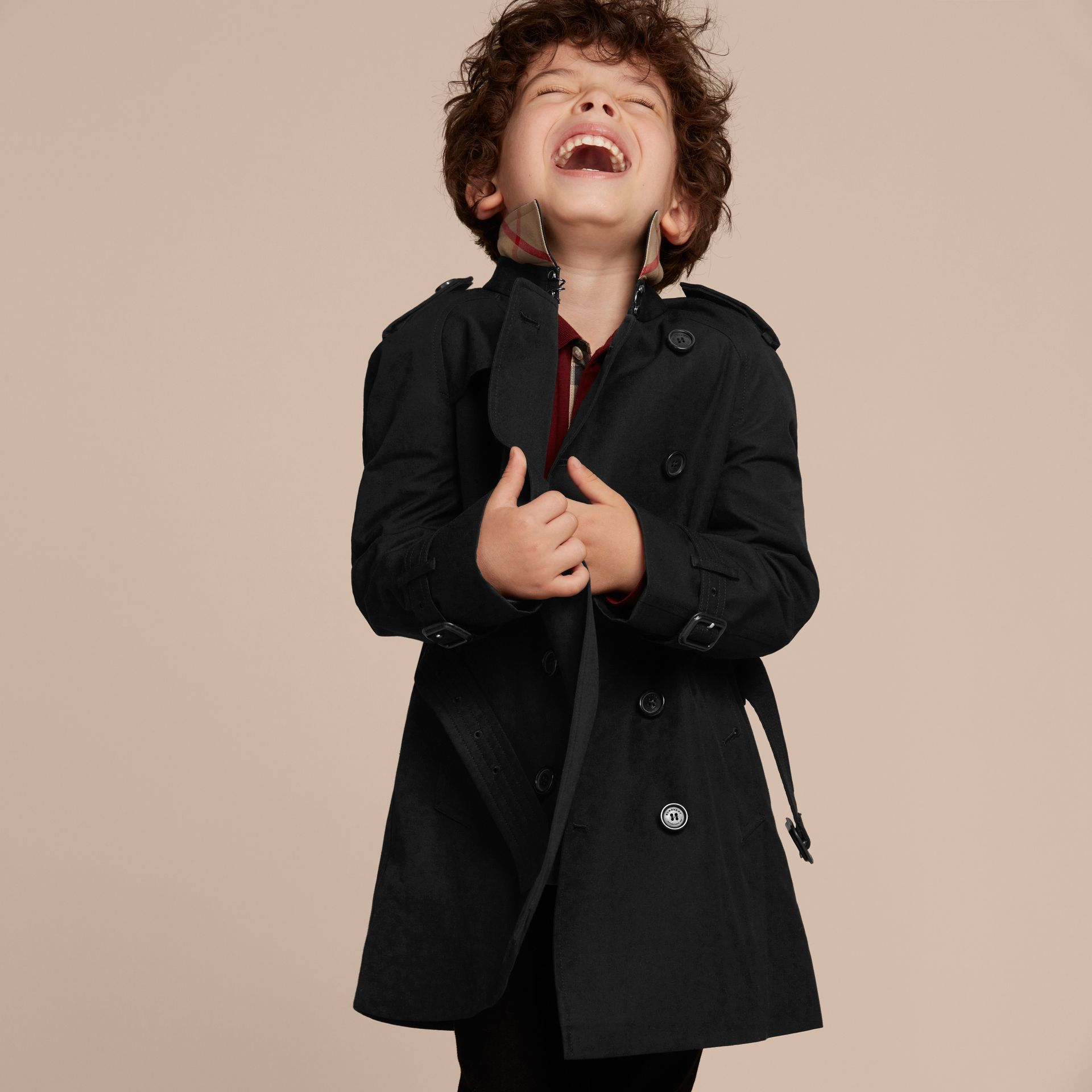 The Wiltshire – Heritage Trench Coat in Black - Boy | Burberry - gallery image 3