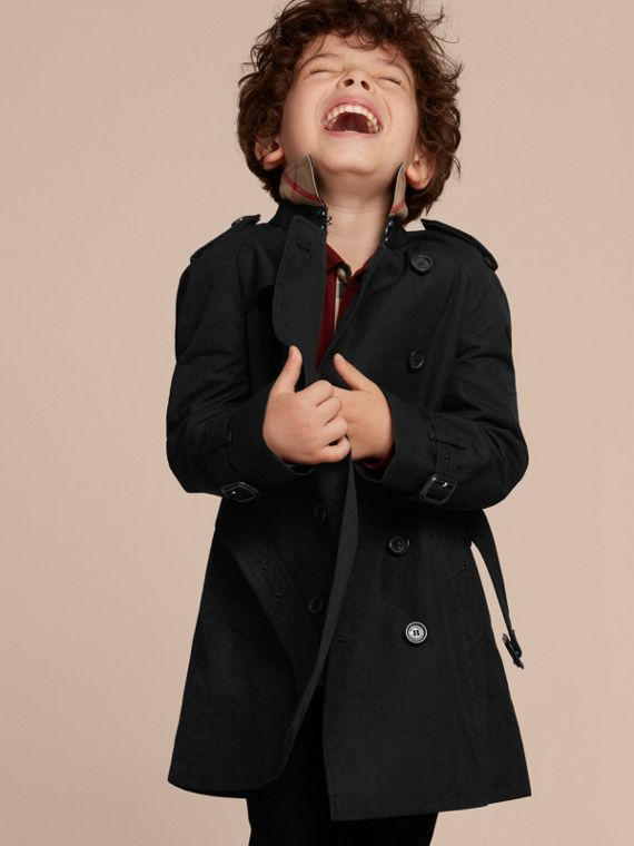 The Wiltshire – Heritage Trench Coat in Black - Boy | Burberry Canada - cell image 2