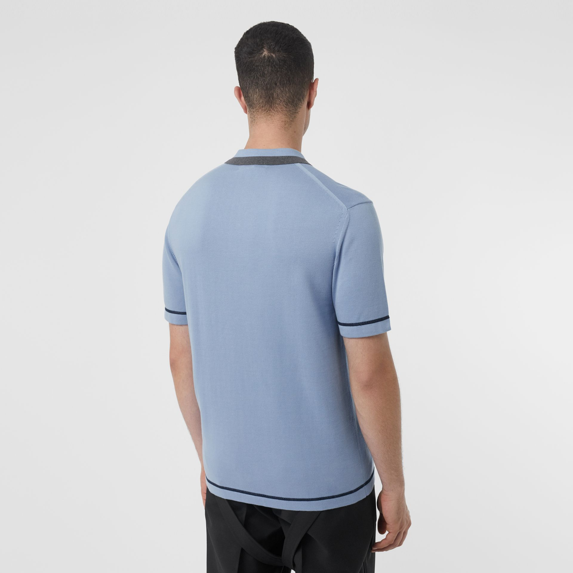 Polo à col en pointe en coton Monogram (Baby Blue) - Homme | Burberry Canada - photo de la galerie 2