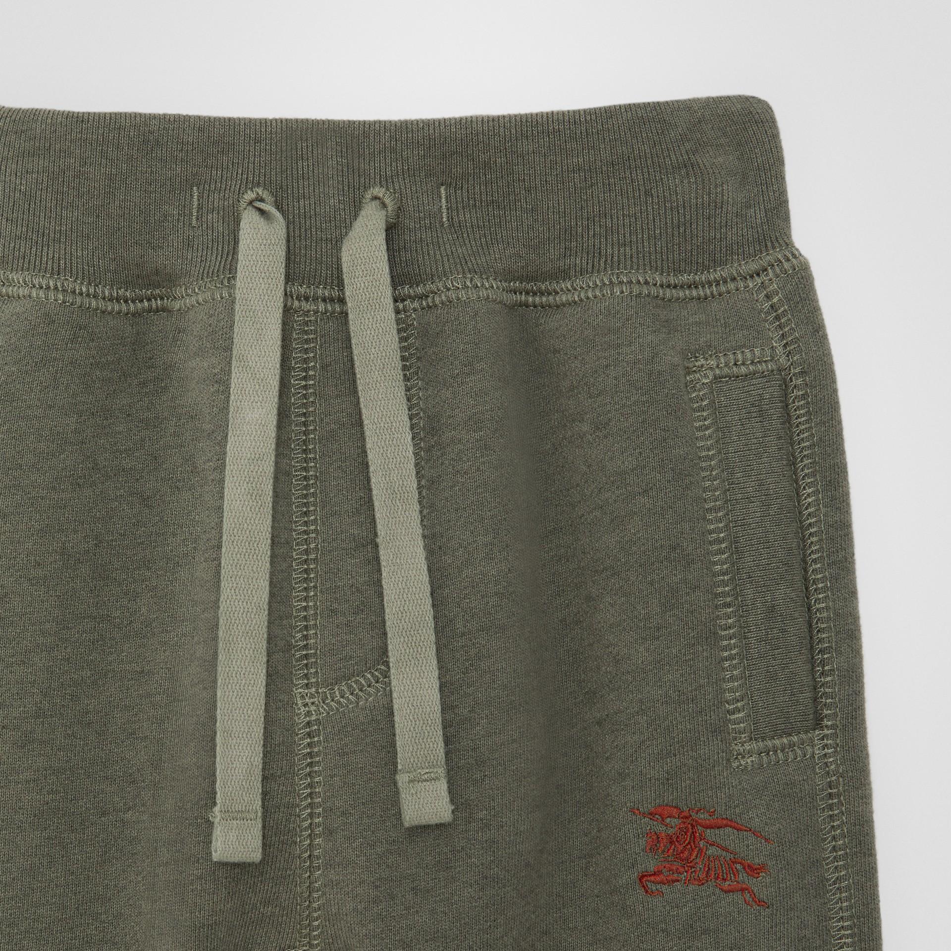徽標繡飾棉質運動褲 (混合橄欖色) - 童款 | Burberry - 圖庫照片 4