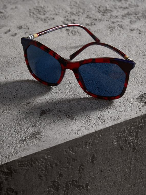 Marble-effect Square Frame Sunglasses in Red - Women | Burberry Australia - cell image 2