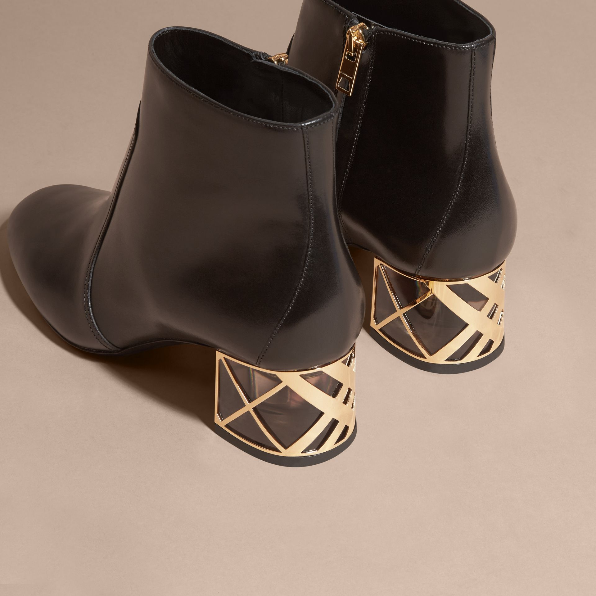 Noir Bottines en cuir avec motif check au talon Noir - photo de la galerie 4
