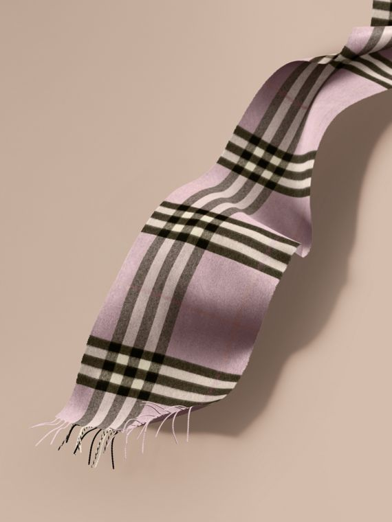 The Classic Cashmere Scarf in Check Dusty Lilac