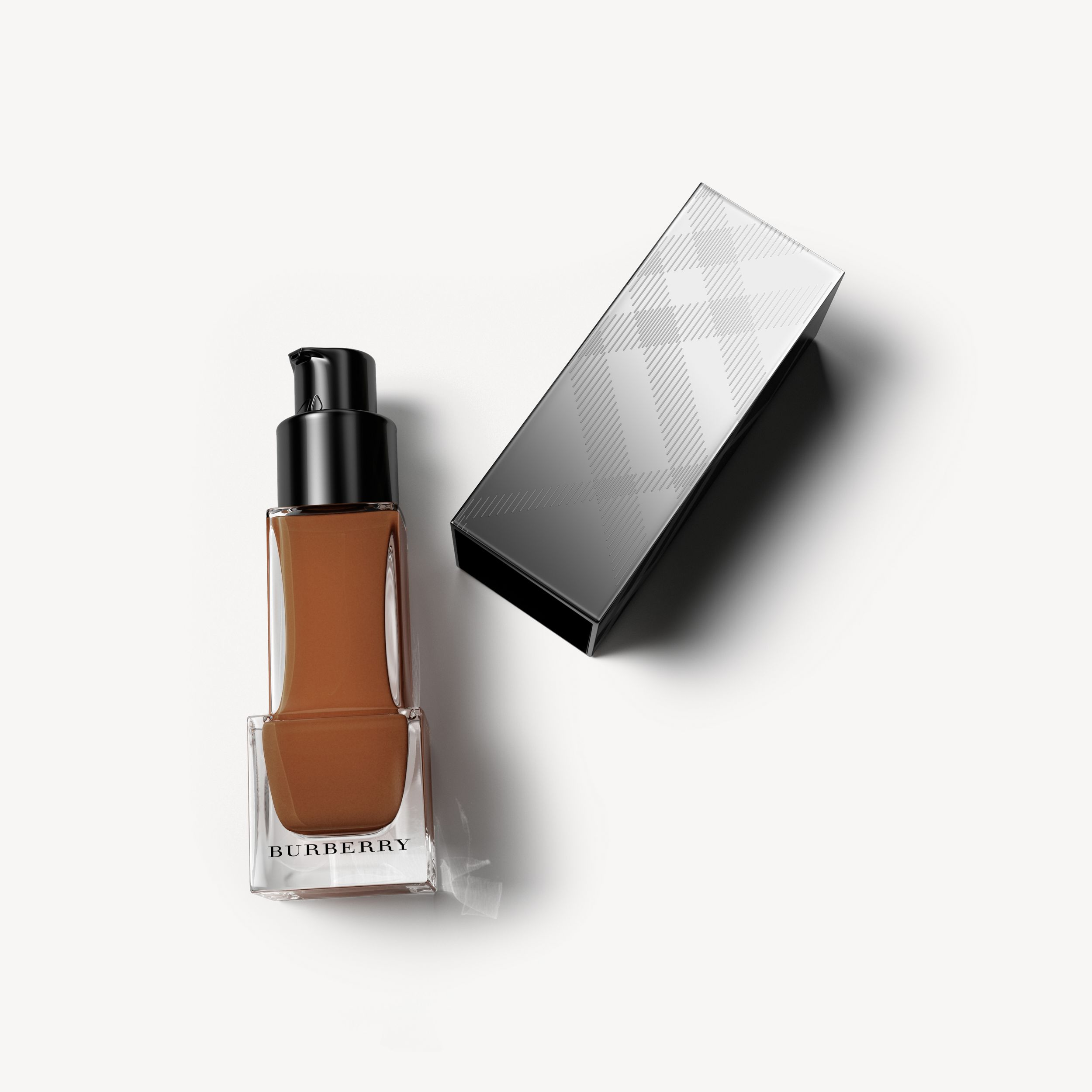 Fresh Glow Foundation Sunscreen Broad Spectrum SPF 12 – Chestnut No.60 - Women | Burberry Singapore - 1