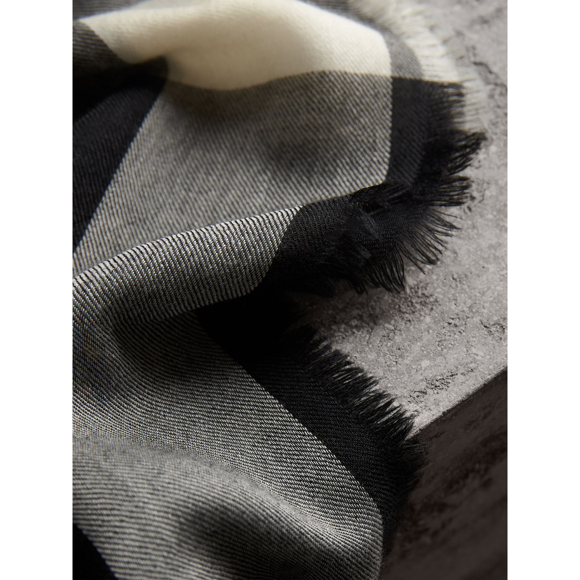 The Lightweight Cashmere Scarf in Check in Black - Women | Burberry United Kingdom - gallery image 4