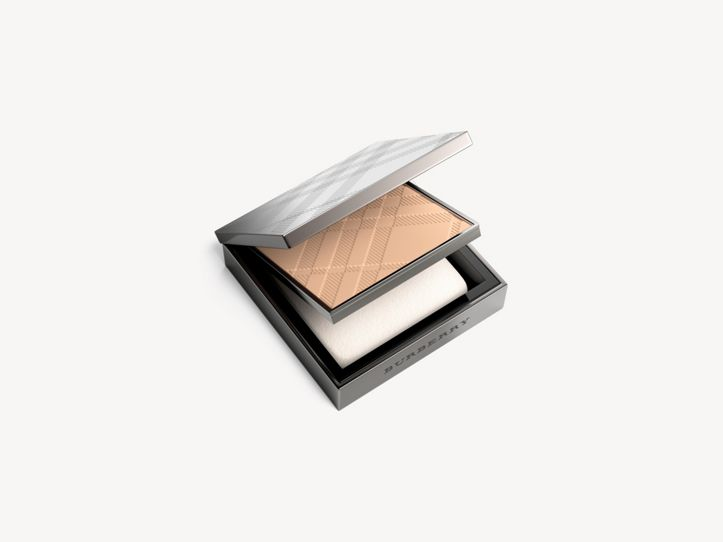 Fresh Glow Compact Foundation - Light Honey No.10