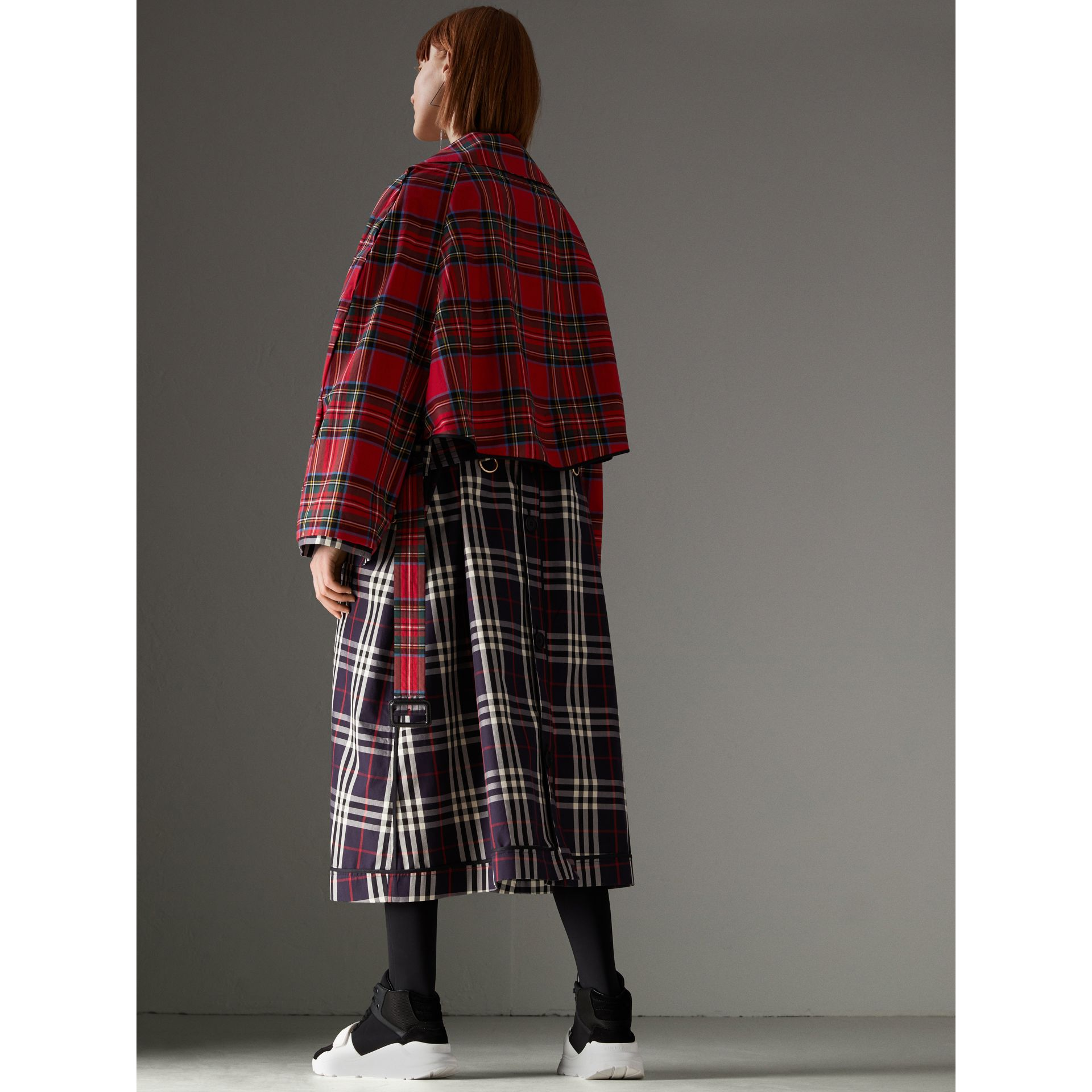 Check and Tartan Cotton Trench Coat in Navy - Women | Burberry United States - gallery image 2