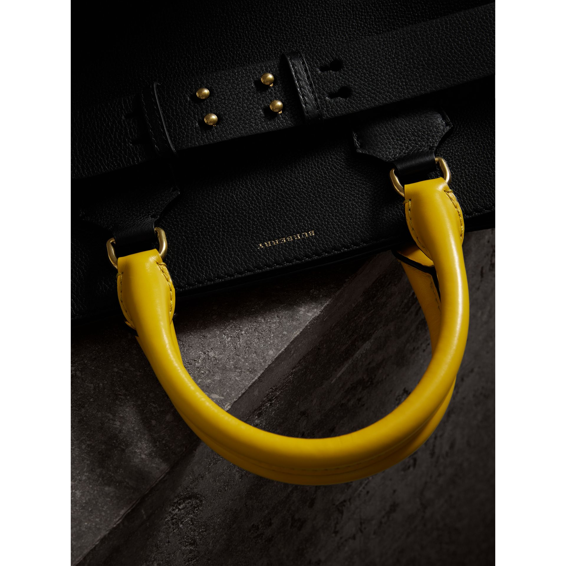 The Large Belt Bag aus Leder in Dreitonoptik (Schwarz/seegrün) | Burberry - Galerie-Bild 1