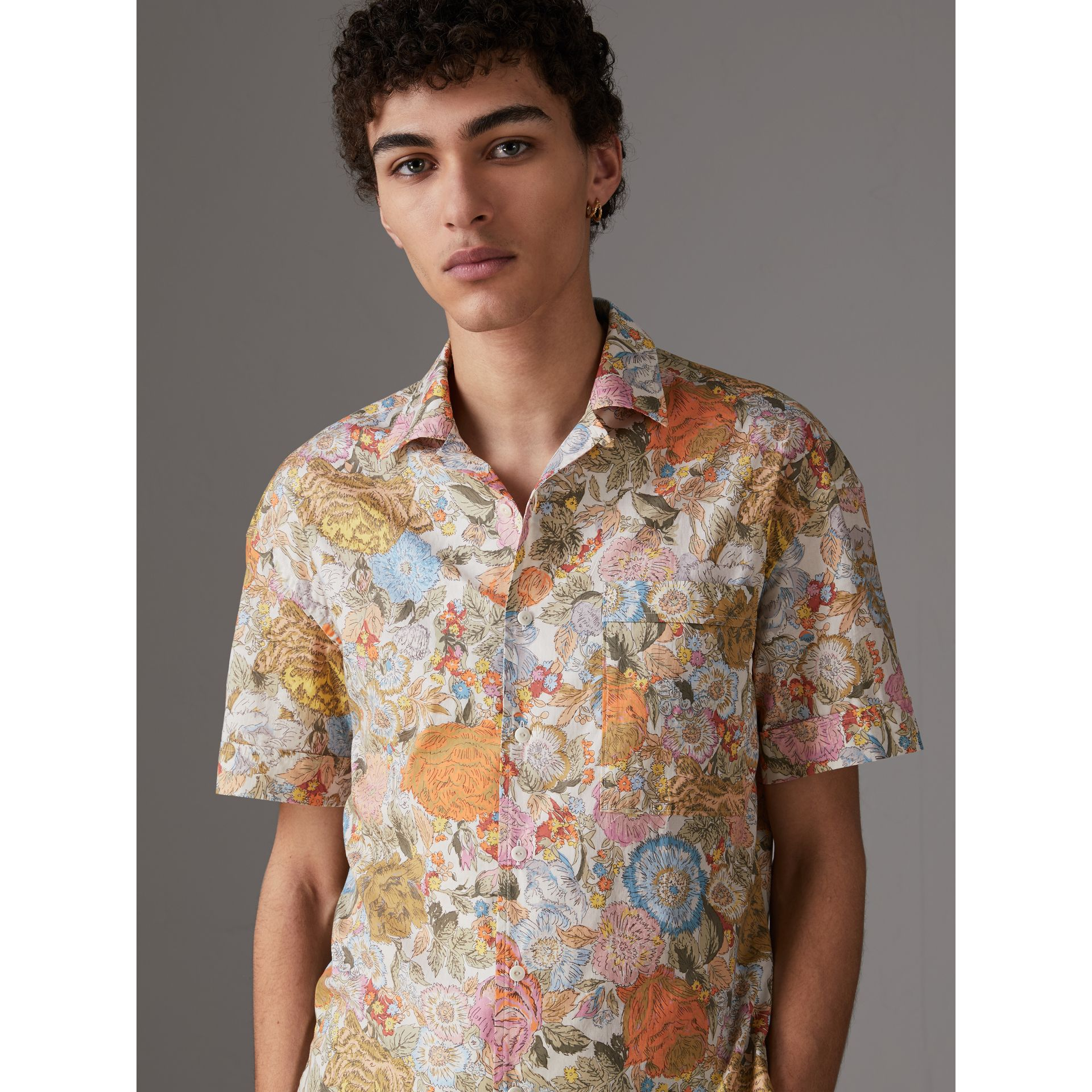 Short-sleeve Floral Print Cotton Shirt in Bright Orange - Men | Burberry United Kingdom - gallery image 0