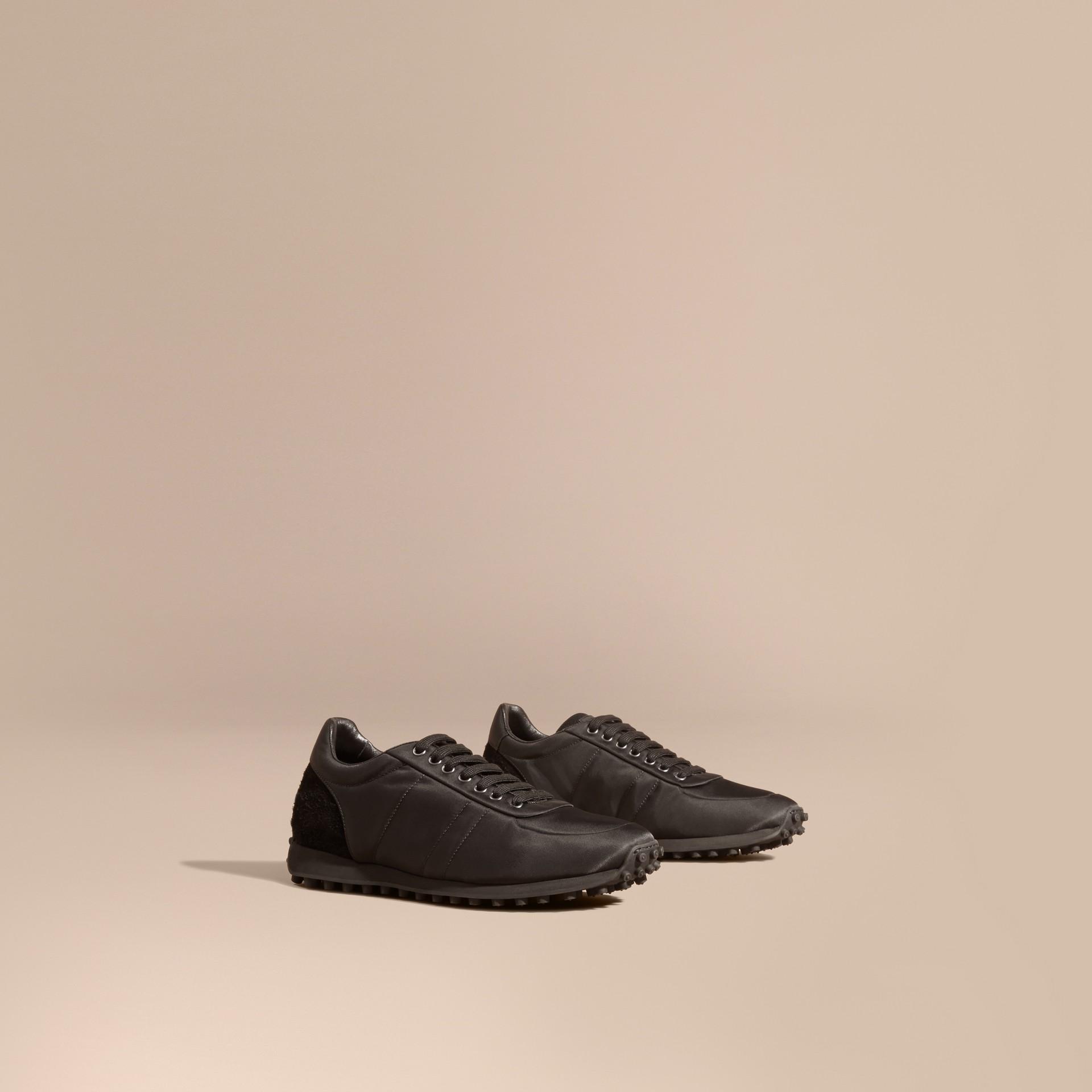 Nero Sneaker tecniche con finiture effetto texture Nero - immagine della galleria 1
