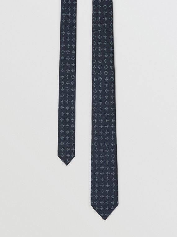 Modern Cut Graphic Floral Silk Jacquard Tie in Pale Peridot Blue