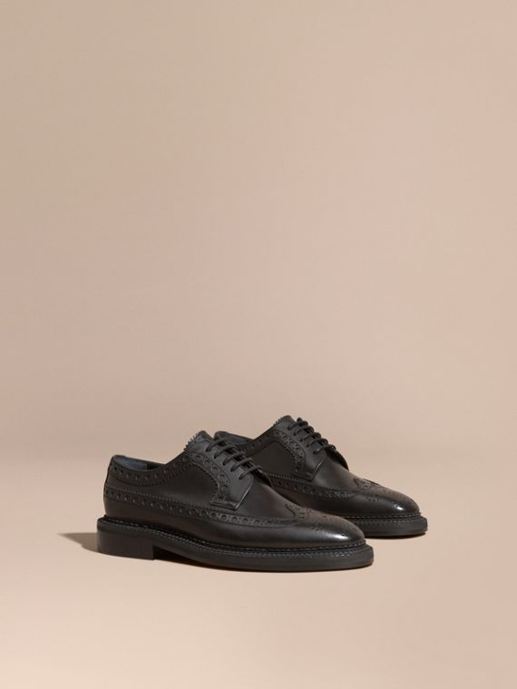 Brogue a coda di rondine in pelle (Nero)