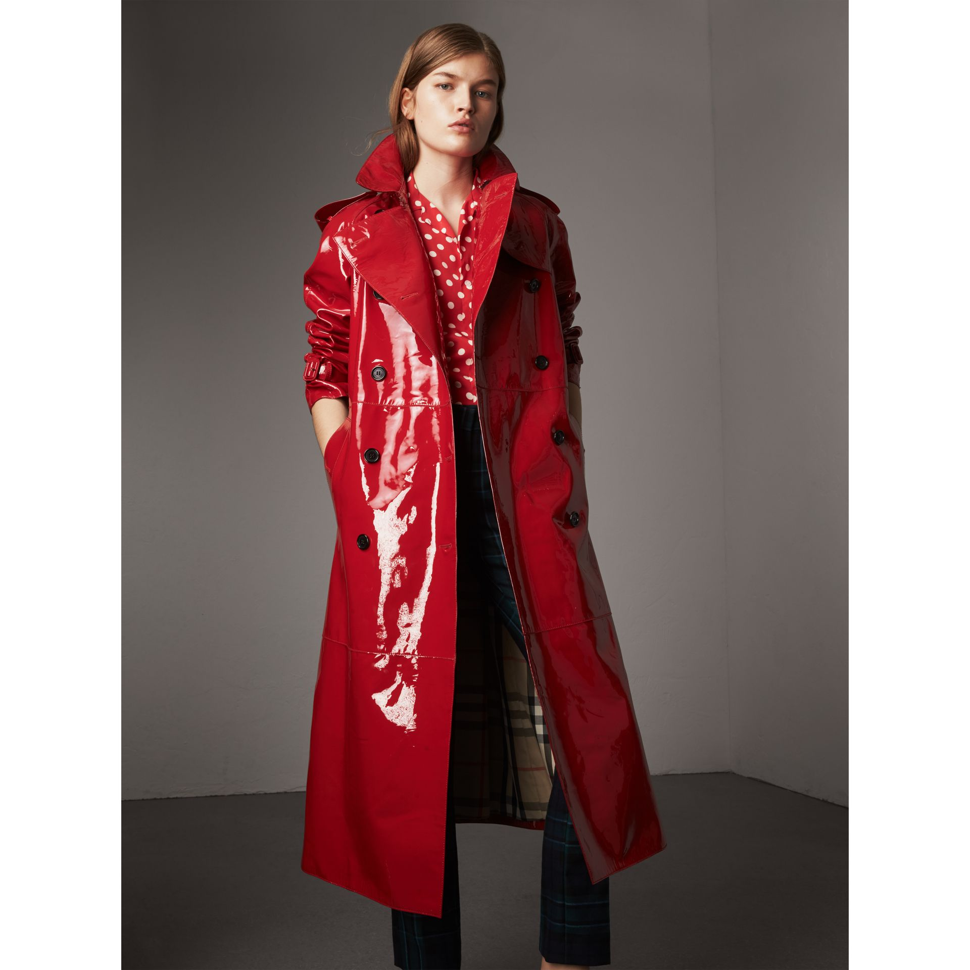 Raglan-sleeve Patent Lambskin Trench Coat in Parade Red - Women | Burberry - gallery image 1