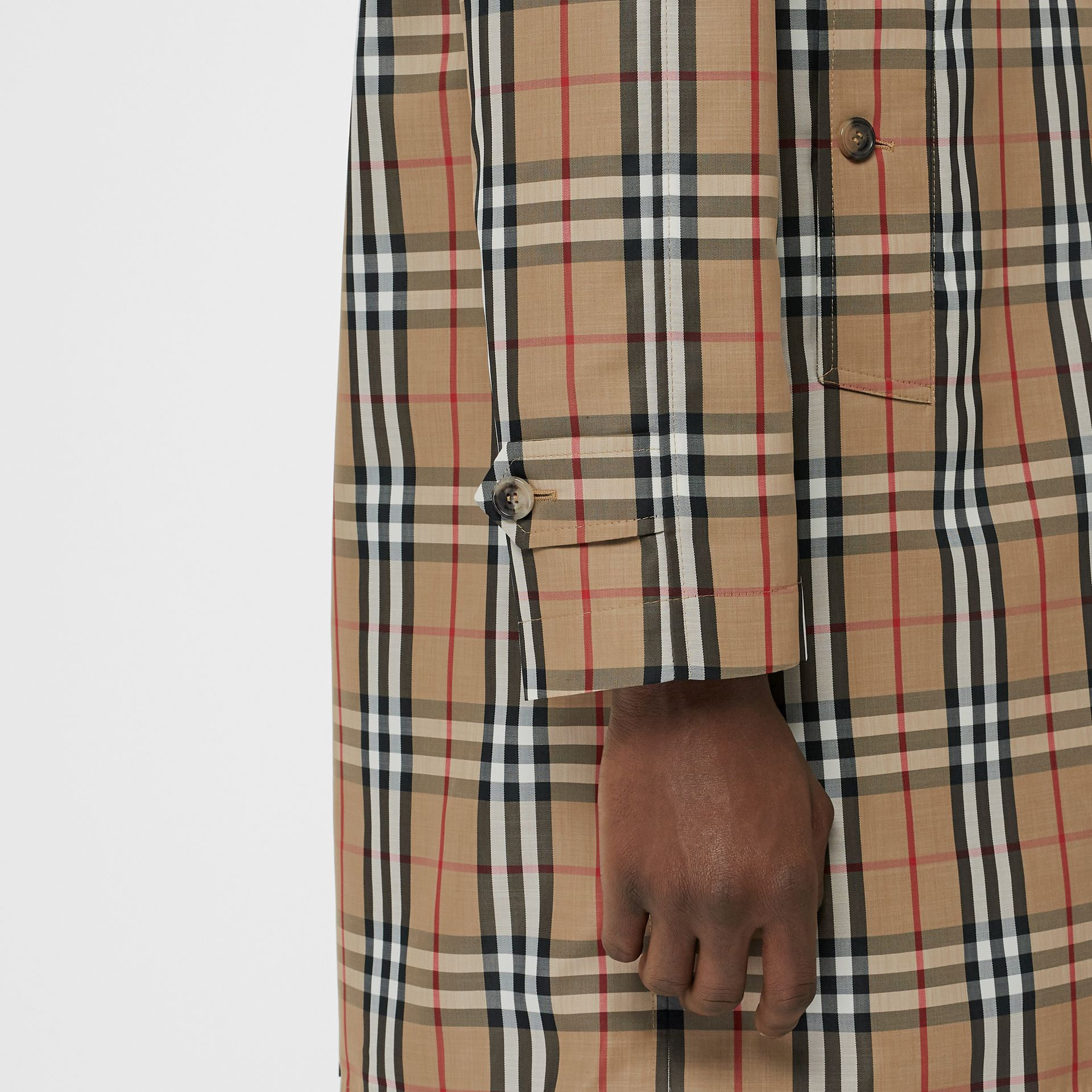Vintage Check Car Coat in Archive Beige - Men | Burberry Hong Kong - gallery image 4