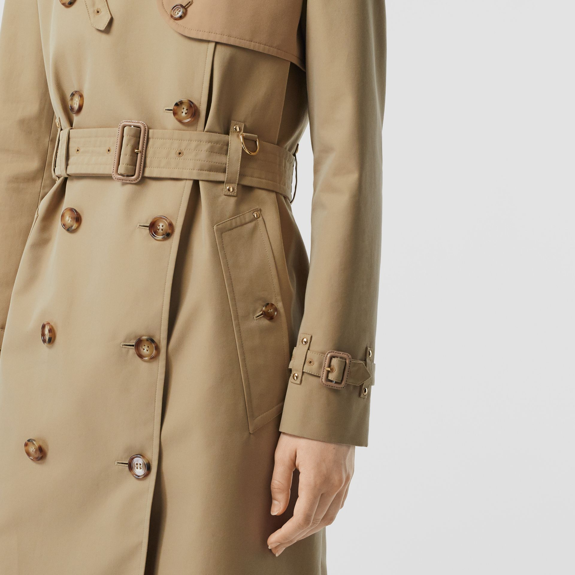 Two-tone Cotton Gabardine Trench Coat in Honey - Women | Burberry Singapore - gallery image 4