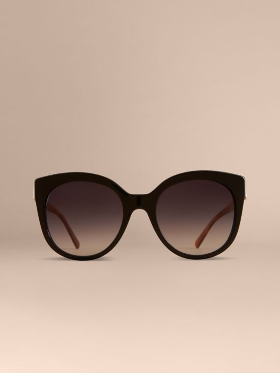 Buckle Detail Cat-eye Frame Sunglasses in Black - Women | Burberry Canada - cell image 2