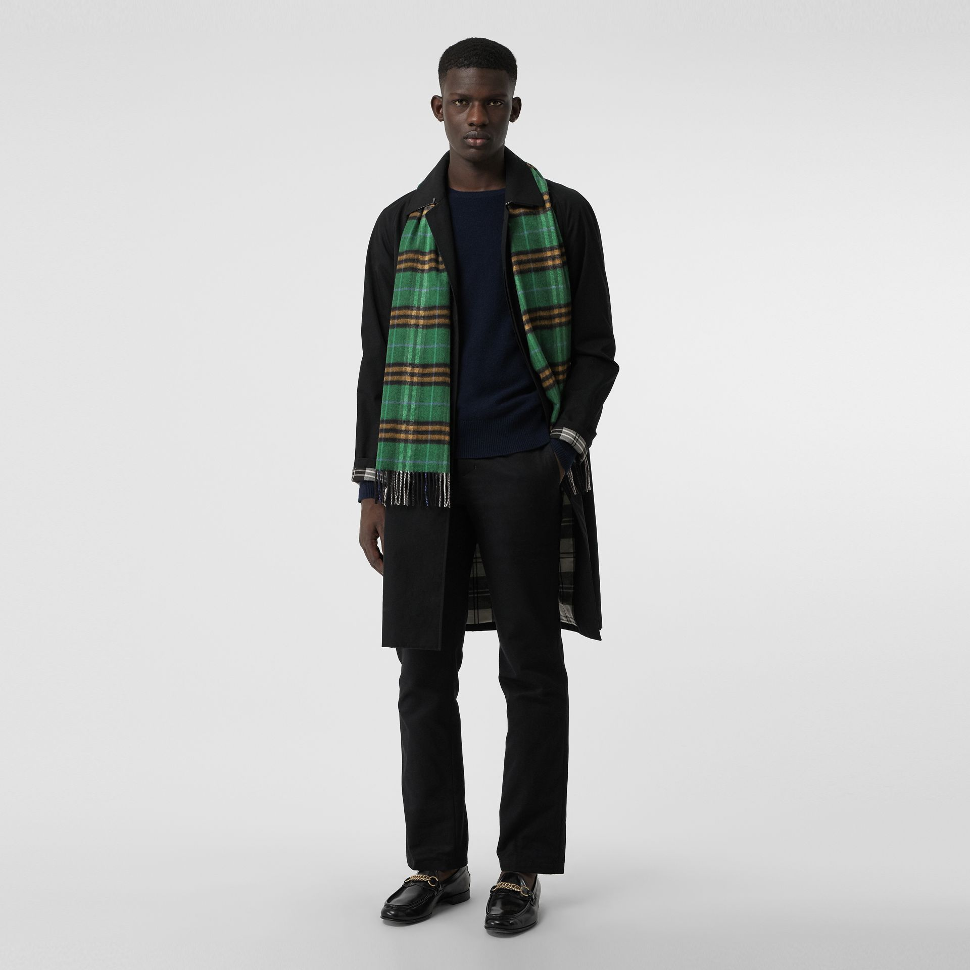 Check Cashmere Scarf in Forest Green | Burberry United Kingdom - gallery image 3
