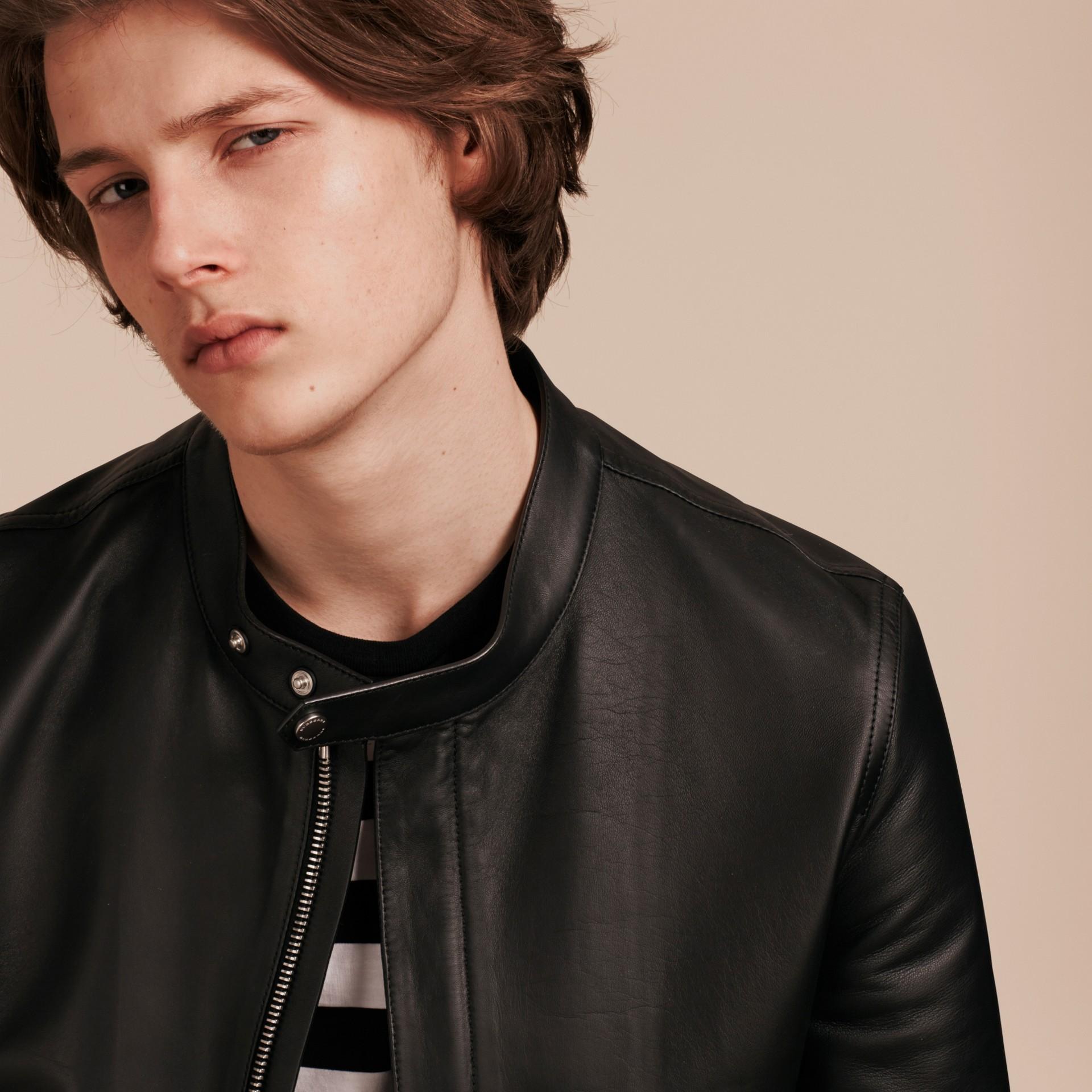 Черный Байкерская куртка из кожи ягненка - изображение 5