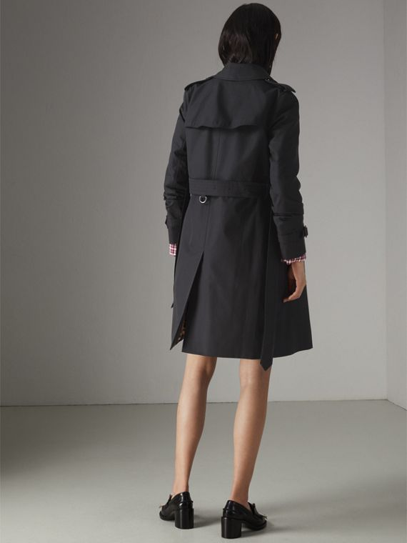 The Kensington Heritage Trench Coat in Midnight - Women | Burberry United Kingdom - cell image 2