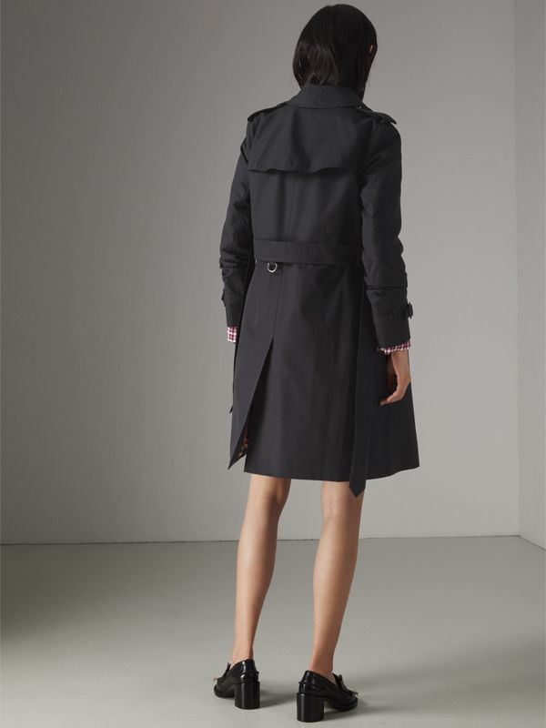 The Kensington Heritage Trench Coat in Midnight - Women   Burberry - cell image 2