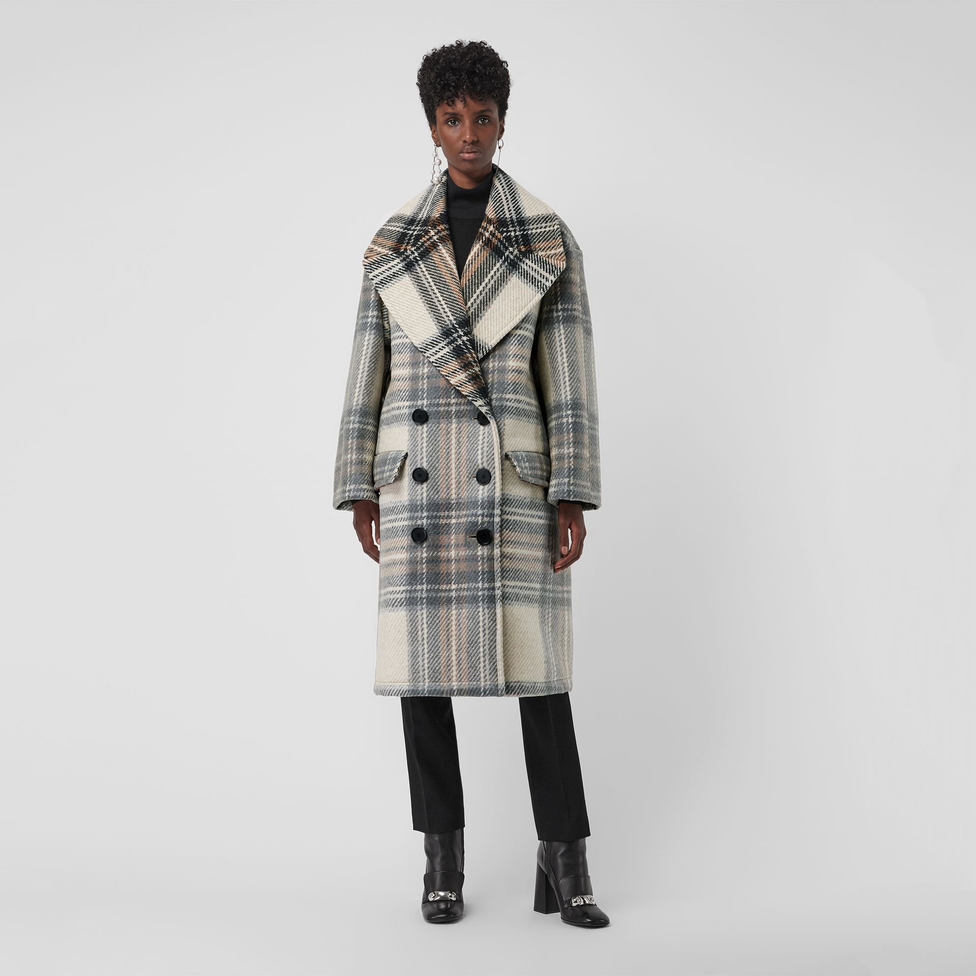 Check Wool Oversized Tailored Coat in Chalk White - Women | Burberry - gallery image 4